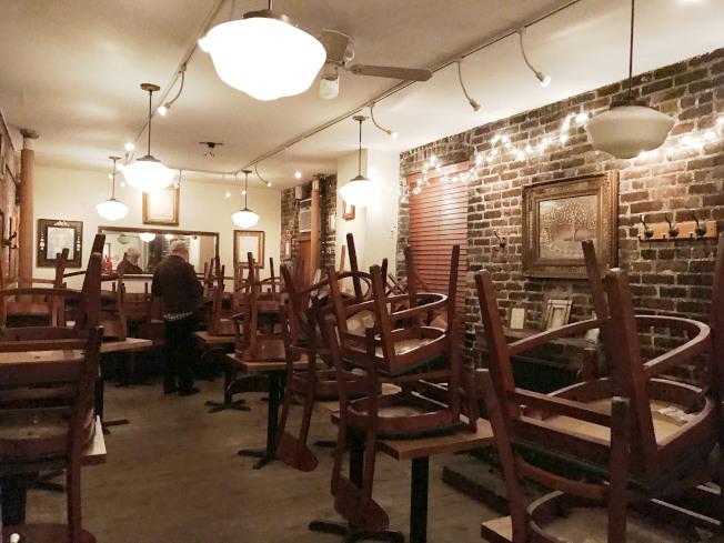 柯妮莉亞街咖啡館結束營業,走下格林威治村音樂舞台。(王若馨/攝影)