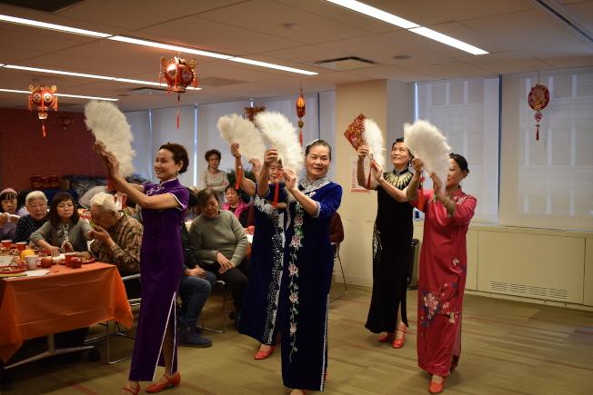 阿茲海默症關愛服務28日在曼哈頓中城舉辦第四屆農曆新年慶祝活動。(記者顏嘉瑩/攝影)