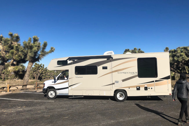 美國有100萬人長期住在路上,以露營車為家。(路透)