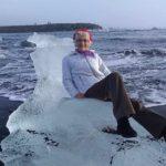 嚇到!77歲婦人拍「冰山女王」照 竟隨海流越漂越遠