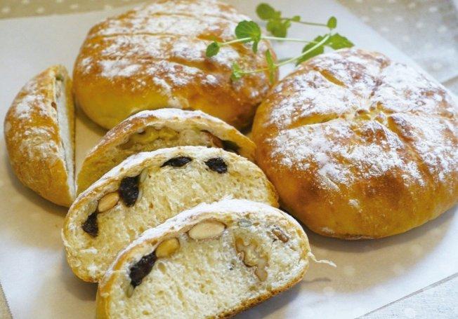 免揉麵包柔軟有嚼勁,味道不輸手揉麵包。圖/太陽臉