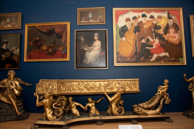 西方樂器重點展品之一17世紀義大利鍍金大鍵琴。(蘇彩菁/攝影)