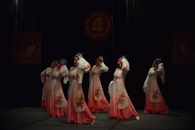 福特華人協會新春晚會舞蹈演出。(福特華人協會提供)