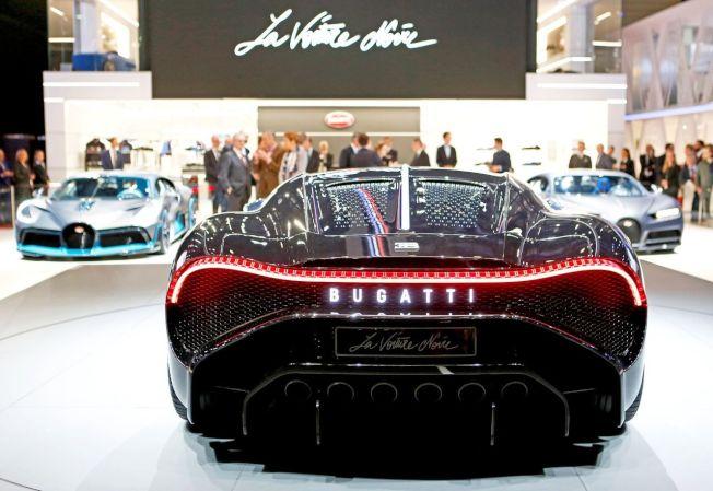 號稱史上最貴新車的Bugatti「黑車」(La Voiture Noire)在日內瓦國際車展亮相。路透