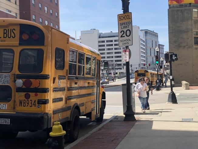 波士頓公校正在探索取代現有三個考試學校入學試的可能性。(記者劉晨懿之/攝影)