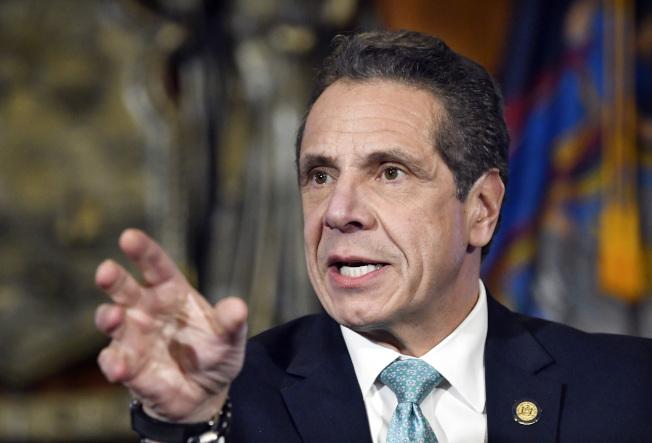 葛謨州長表示,倘若紐約市接管地鐵,捷運系統就會失去州府提供的100億元經費。(美聯社)