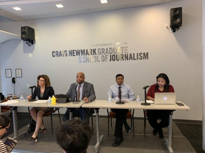 紐約市立大學新聞研究所7日舉行座談會,邀請紐約市人口普查總監曼寧(左一)討論2020年人口普查將對紐約市帶來的影響。(記者和釗宇/攝影)