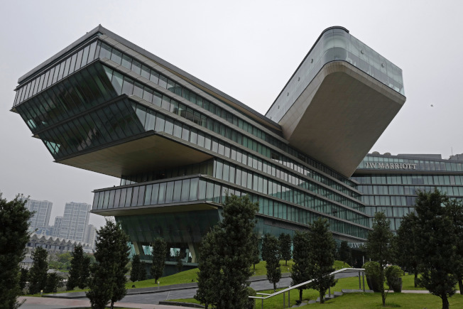 萬豪酒店是世界品牌,圖為越南河內萬豪酒店。(美聯社)