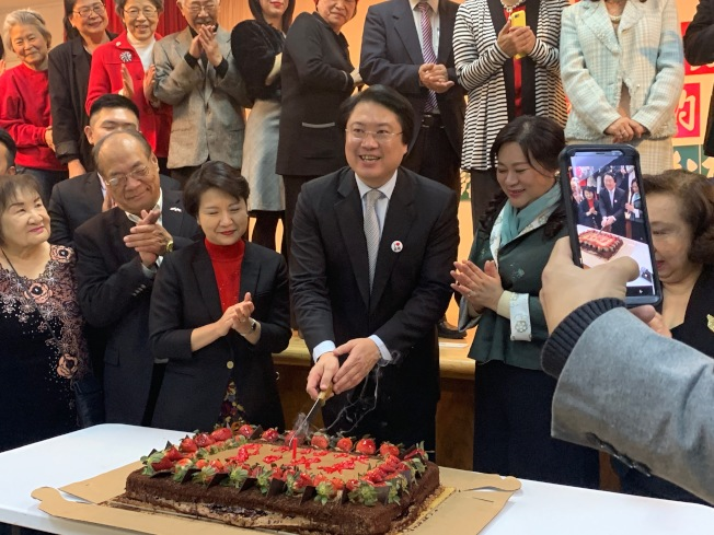 台灣會館為林右昌舉辦生日慶祝會。(記者賴蕙榆/攝影)