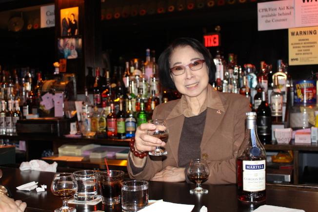 顧青鋒重新開設溫娜酒吧,盼「一個時代的文化印記,應被銘記」。(記者張晨╱攝影)