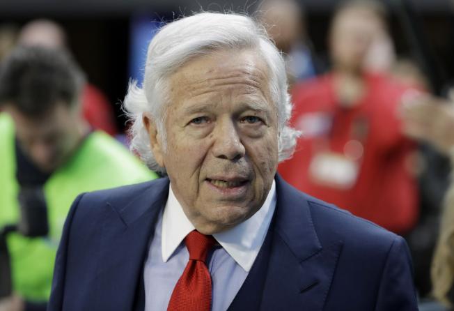 新英格蘭愛國者隊的老闆克瑞夫特(Robert Kraft)因為在佛州按摩被捕,引發連串風波。(美聯社)