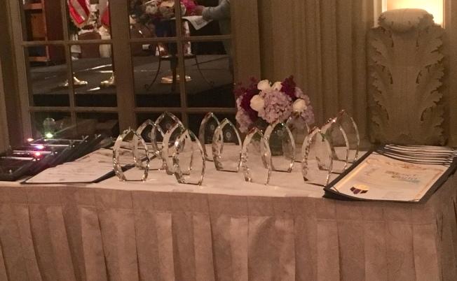 每一年洛杉矶县妇女事务委员会都会选出十位年度最杰出女性,感谢她们对社会和经济的付出与贡献。(记者林佩锦/摄影)