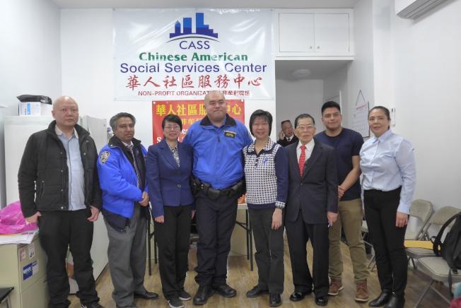 布碌崙華人社區服務中心13日舉辦社區安全講座,呼籲民眾應把錢財保管好。(記者顏潔恩/攝影)