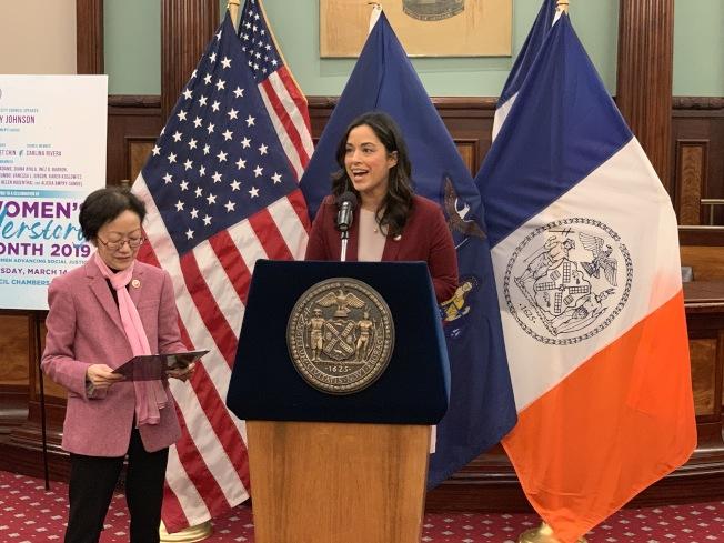 利華娜表示,市議會去年通過了多項保護女性權益的法案,未來將繼續努力。(記者和釗宇/攝影)