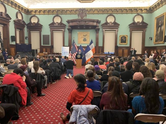 紐約市議會14日舉行為紀念女性歷史月活動,表彰四位在不同領域做出傑出貢獻的女性。(記者和釗宇/攝影)