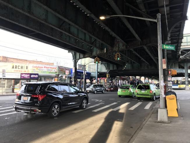 傑克森高地站所處的路段交通事故頻發。(記者劉大琪/攝影)