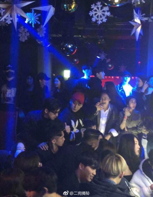 王大陸、陳柏霖、柯震東以及勝利於1月被拍到在夜店狂歡。圖/摘自星娛醬微博