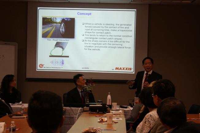 正新輪胎為本次活動贊助者。副總裁鍾斌介紹公司並講解「未來輪胎」項目細節及規則。(記者林昱瑄/攝影)