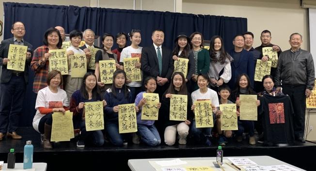 陶海心師生展出一年來學習書法的成果。(南海岸中華文化中心提供)
