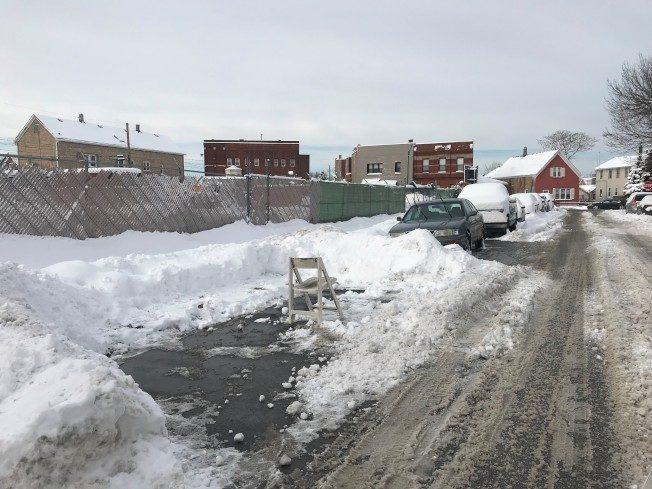 大雪過後 芝加哥嚴打路霸 清理占位物品