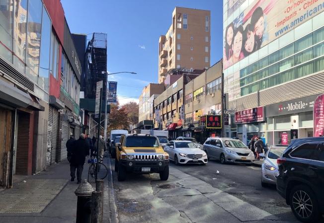 警方日前在40路上逮捕了四名涉嫌嫖娼的男子。(記者朱蕾/攝影)