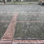 20日春季第一天南加出現罕見冰雹
