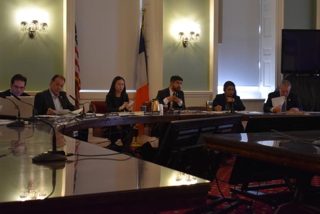 市議會20日召開2020財年初步預算公聽會,在新財年為移民服務爭取1億750萬元經費。(記者顏嘉瑩/攝影)