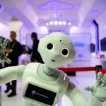 大仁說財經 │與機器人競爭,人類的感覺……百味雜陳