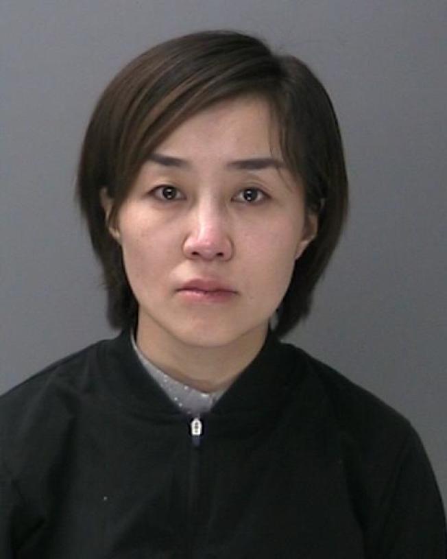 金辛夏因涉嫌无证按摩被捕。(苏福克郡警方提供)