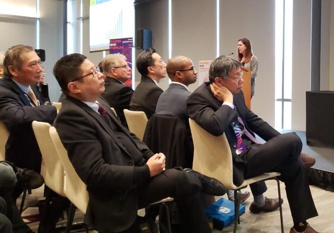 MassBio副總裁Elizabeth Steele 介紹麻州生技產業現狀。(記者唐嘉麗/攝影)