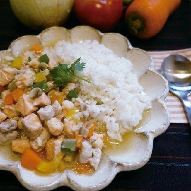 雞丁蝦仁燴飯口味清爽鮮美。圖/太陽臉