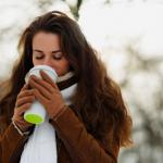 天冷喝熱咖啡、熱紅茶有助保暖嗎?專家:越喝越冷