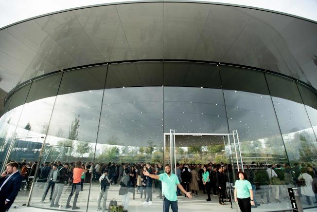 蘋果公司25日在其加州總部的賈伯斯劇院舉行的新聞發布會。Getty Images