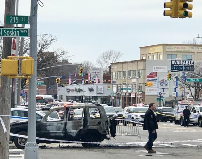 嫌犯駕駛的吉普車被他自己燒毀。(記者朱蕾╱攝影)
