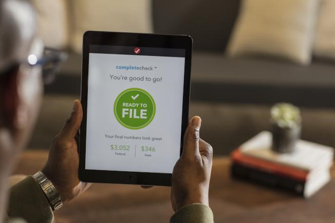 國稅局提醒納稅人,必須特別留意稅務詐騙的情況。(Getty Images)