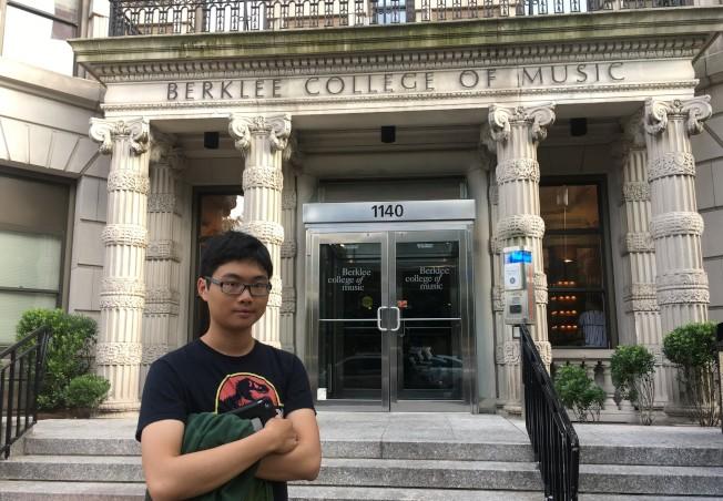少年鋼琴家余峻承升入伯克利音樂學院深造。(余峻承提供)