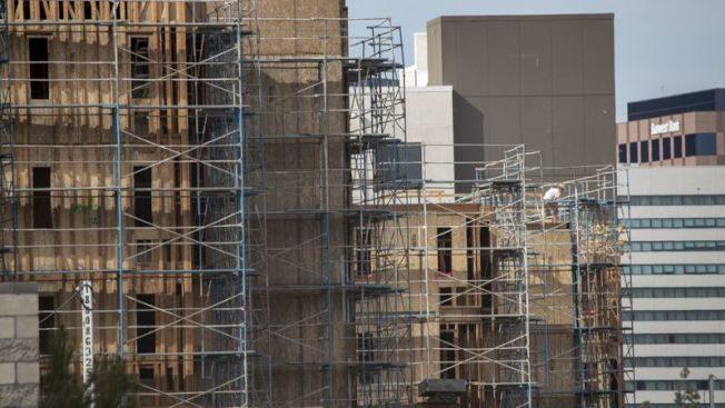 解決加州住房短缺 轉運站建多層公寓