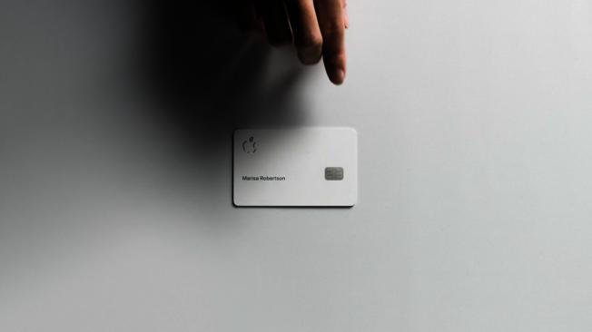 蘋果與春季發表會推出Apple Card,顛覆傳統信用卡卡面設計。圖/摘自發表會