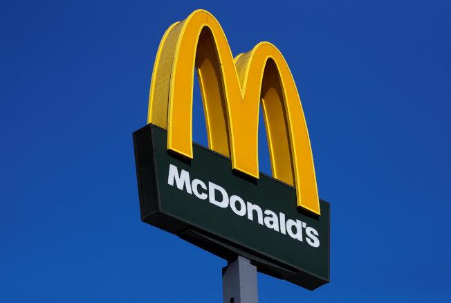 麥當勞宣布放棄參與反對時薪提高的遊說等相關行動。(路透社)