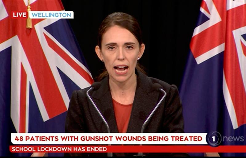 紐西蘭南島基督城兩座清真寺今天遭槍擊,造成49人死亡,總理阿爾登(Jacinda Ardern)形容,這是一樁「恐怖攻擊」,法院明天將開庭審理凶嫌。美聯社