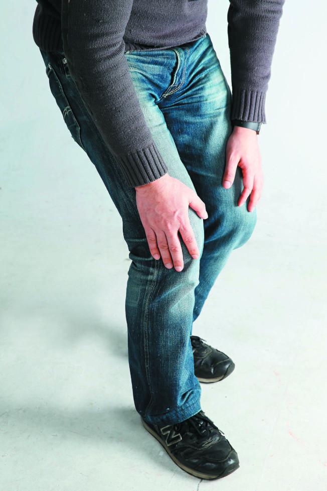 專家表示,讓體重控制在健康標準範圍,才能減輕膝關節的負擔,減少關節軟骨的磨損。(本報資料照片)