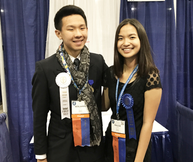 劉江南(左)參加2017英特爾科學工程國際大賽獲獎。(記者丁曙/攝影)