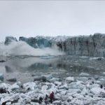 冰島冰河崩落掀起大浪 遊客拔腿逃命
