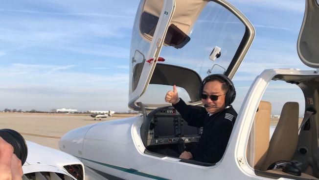 張博準備起航第二次環飛。(記者董宇/攝影)