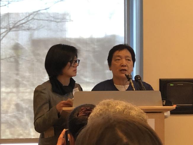 華人前進會共同主席湯建華(右)和執行主任陳玉珍(左)出席波士頓2020人口普查推廣會,發言呼籲聯邦資源合理分配。(記者劉晨懿之/攝影)