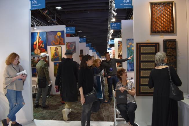 第41屆紐約國際藝術博覽會4日在90號碼頭展開,展出1000多名藝術家共3000多件作品。