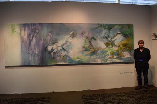 台灣畫家黃承遠的「我的靈魂禁錮在前世的一個吻裡」,描述一名女子發現人生意義的過程。(記者顏嘉瑩/攝影)