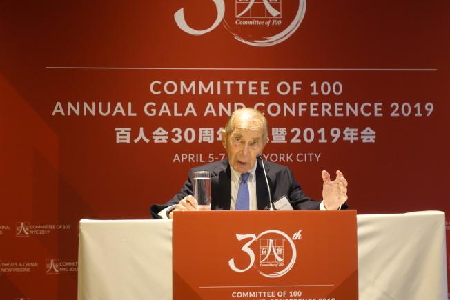 格林伯格出席百人會年會,表示自己對美中關係樂觀。(記者金春香/紐約報導)