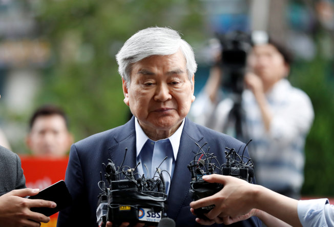 上月被踢出大韓航空董事會的韓進集團老董趙亮鎬7日在洛杉磯病逝。(路透)