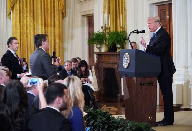 曾与川普舌战的CNN白宫记者阿科斯达也要写书爆料。(Getty Images)